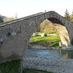 Castel del Rio e Cascata Moraduccio